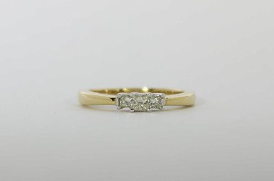 14KY 1/4CTW PAST, PRESENT & FUTURE ENGAGEMENT RING WITH 3 PRINCESS CUT DIAMONDS