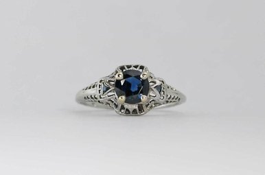 18KW .52CTW-SA VINTAGE BLUE SAPPHIRE RING