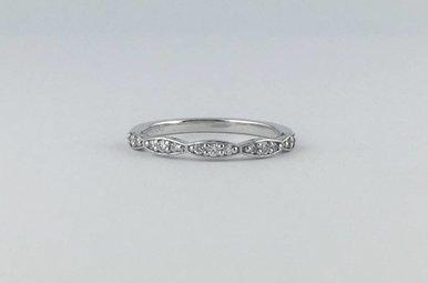 Tacori Platinum .17ctw Diamond Scalloped Stackable Wedding Band Ring