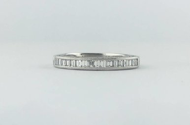 Tacori 18k White Gold .68ctw Diamond Channel Set Emerald Milgrain Stackable Wedding Band Ring