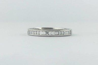Tacori 18k White Gold .68ctw Diamond Channel Set Emerald Milgrain Stackable Wedding Band Ring