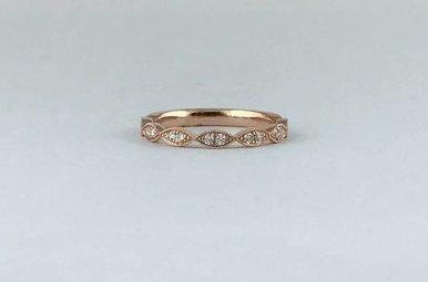 14k Rose Gold .17ctw Diamond Scalloped Milgrain Stackable Wedding Band (Size 6)