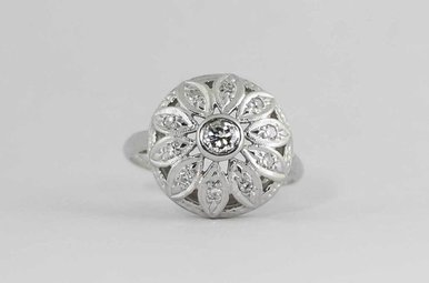 14KW 3/8CTW VINTAGE STYLE DIAMOND LADIES RING