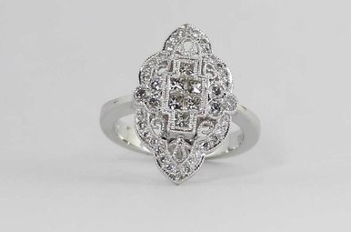 14KW .88CTW VINTAGE STYLE LADIES DIAMOND RING