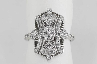 18KW 1/2CTW VINTAGE STYLE LADIES DIAMOND RING