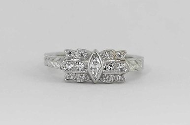 PLAT 3/8CTW VINTAGE LADIES DIAMOND RING WITH MARQUISE & SINGLE CUTS