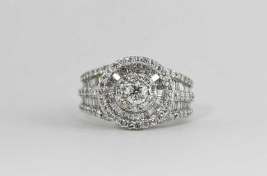 14KW 2.12CTW LADIES RING WITH ROUNDS & BAGUETTES