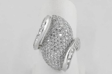 18KW 3CTW PAVE' DIAMOND LADIES FASHION RING WITH ROUNDS & BAGUETTES