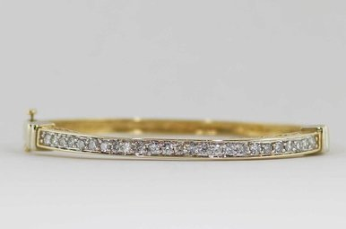 14KY/W 1CTW LADIES BANGLE BRACELET WITH ROUND BRILLIANT DIAMONDS