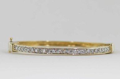 14KY/W 1CTW LADIES BANGLE BRACELET WITH ROUND BRILLIANT DIAMONDS