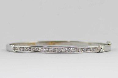 14KY/RHODIUM 1CTW LADIES BANGLE BRACELET WITH ROUND BRILLIANT DIAMONDS