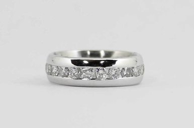 PLAT 1-1/2CTW LADIES ETERNITY CHANNEL WEDDING BAND WITH ROUND BRILLIANT DIAMONDS SIZE 6