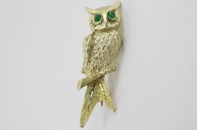 14KY VINTAGE OWL BROOCH PIN WITH EMERALD EYES