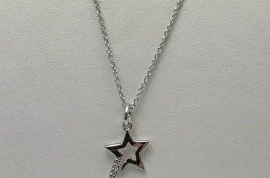Sterling Silver Star Hot Diamonds Necklace