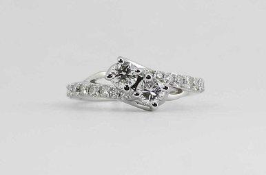 """14KW 1CTW """"EVER US"""" LADIES ROUND BRILLIANT DIAMOND RING"""