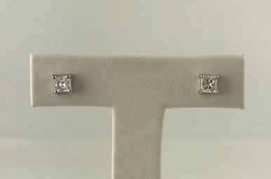 14k White Gold 1/2ctw Diamond Princess Cut Screw Back Stud Earrings