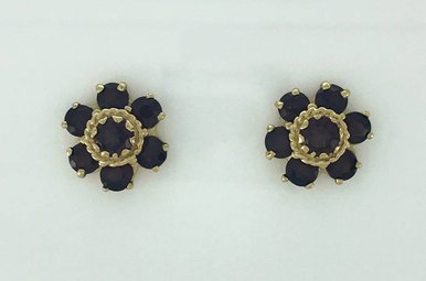 14k Yellow Gold 4.70ctw Garnet Vintage Estate Stud Earrings