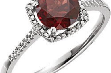 Sterling Silver January Birthstone Ring (Garnet & .01ctw-Dia)