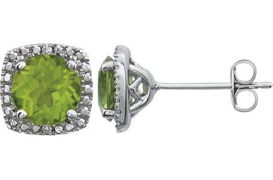 Sterling Silver August Birthstone Stud Earrings (Peridot & .01ctw-Dia)