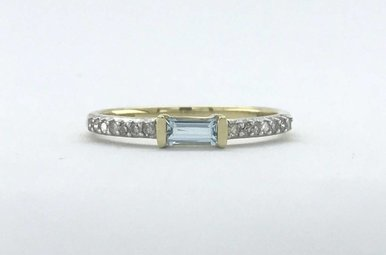 14k Yellow Gold .10ctw Diamond London Blue Topaz Baguette Stackable Ring (Size 7)