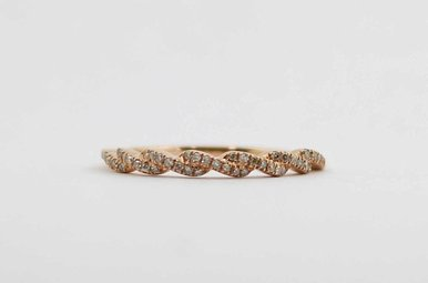 14KR .12CTW DIAMOND STACKABLE TWISTED LADIES WEDDING BAND