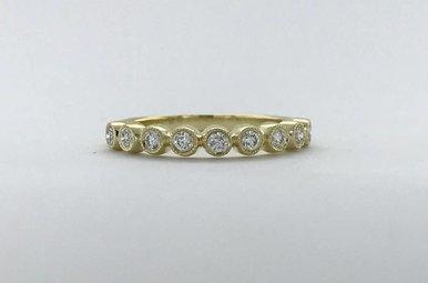 14k Yellow Gold .24ctw Diamond Round Bezel Milgrain Stackable Wedding Band Ring (Size 6.5)