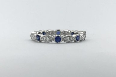 18k White Gold .19ctw Diamond .40ctw Sapphire Bezel Set Scalloped Stackable Wedding Band (Size 6)