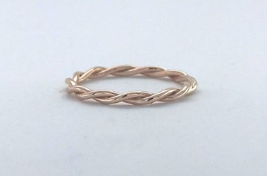14k Rose Gold Barely There Twist Band (Size 6)