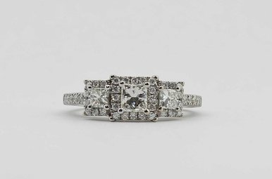 14KW 1CTW HALO ENGAGEMENT RING WITH ROUND & PRINCESS CUT DIAMONDS