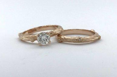 14k Rose Gold .64ctw Diamond (.60ct J/SI1 Round Center) Handcarved Custom Wooden Wedding Ring Set (Size 6)