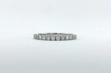 14k White Gold .39ctw Diamond (G/SI) U-Prong Stackable Wedding Band (Size 6)