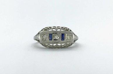 18k White Gold 1/10ctw Diamond & Sapphire Vintage Ring (Size 5.5)
