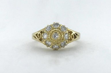 18k Yellow Gold 1/3ctw Diamond Vintage Ring (Size 4)