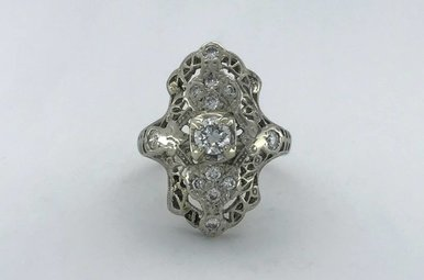14k White Gold 1/2ctw Diamond Vintage Ring (Size 5)
