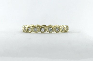 14k Yellow Gold .42ctw Diamond Honeycomb Bezel Eternity Stackable Wedding Band Ring (Size 6)
