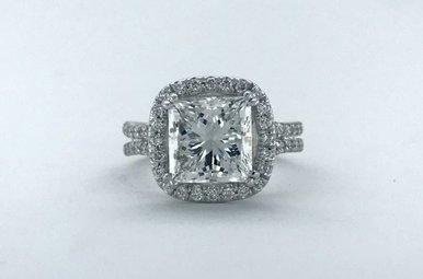 18k White Gold Diamond Cushion Halo Semi Mount Engagement Ring