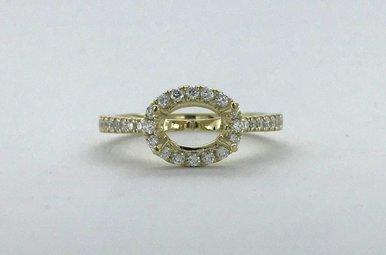 14k Yellow Gold .33ctw Diamond Sideways Oval Halo Semi Mount Engagement Ring (Size