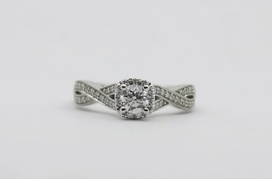 14KW 3/8ct-Ctr 5/8ctw Round Brilliant Diamond Halo Engagement Ring