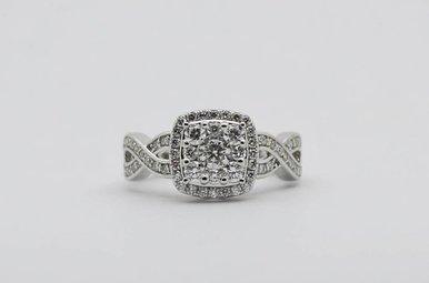 14KW 7/8ctw Round Brilliant Diamond Halo Cluster Engagement Ring