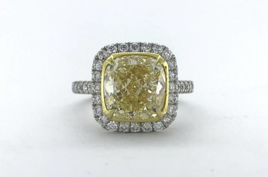 18k White Gold 4.50ct Fancy Light Yellow/VVS2 (GIA) Cushion Cut Diamond Halo Engagement Ring