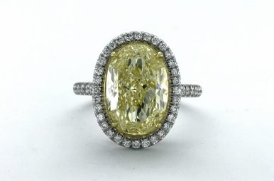 18k White Gold 4.46ct Fancy Light Yellow/SI2 (GIA) Oval Diamond Halo Engagement Ring