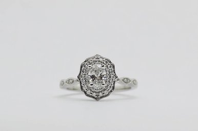 14kw 3/8ct-Ctr 5/8ctw Milgrain Halo Diamond Engagement Ring (Oval Center)