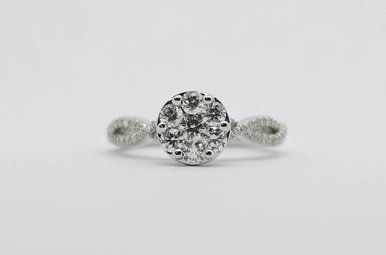 14kw 3/4ctw Round Brilliant Diamond Cluster Engagement Ring