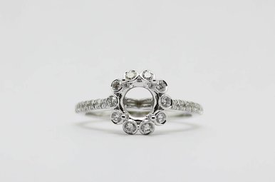 14kw 1/2ctw Round Brilliant Diamond Halo Semi Mount Engagement Ring