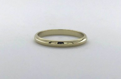 14k Yellow Gold 2mm Polished Stackable Wedding Band (Size 5)