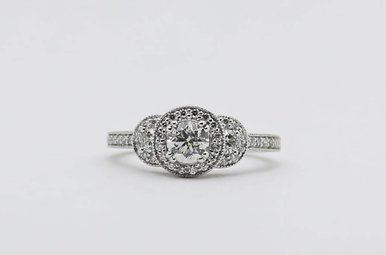 14kw 3/8ct-Ctr 3/4ctw Round Brilliant Diamond Halo Engagement Ring