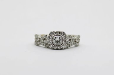 14kw .30ct-Ctr H/I1  .95ctw Princess Cut & Round Brilliant Diamond Halo Wedding Set