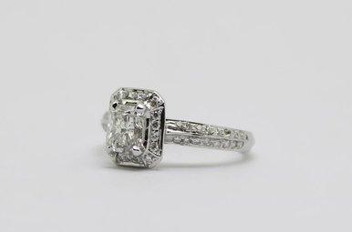 14kw .98ct-Ctr G/I1 1.28ctw Radiant & Round Brilliant Diamond Halo Engagement Ring