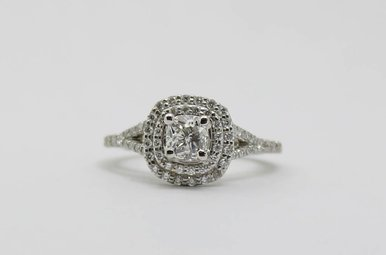 14kw .89ct-Ctr 1.65ctw Cushion Cut & Round Brilliant Diamond Halo Engagement Ring