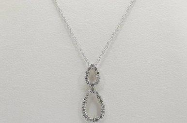 14kw .13ctw Round Brilliant Diamond Teardrop Pendant